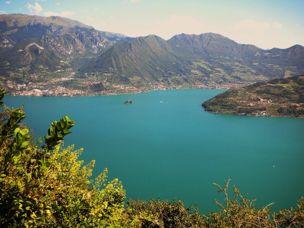 Escursioni a piedi o a cavallo lungo il lago d'Iseo