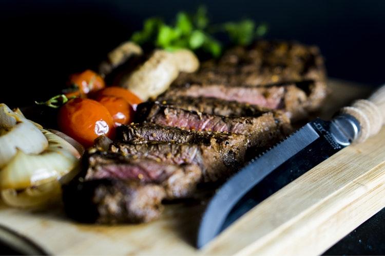 Sei modi diversi per cucinare lacarne di cavallo nella cucina tipica lombarda