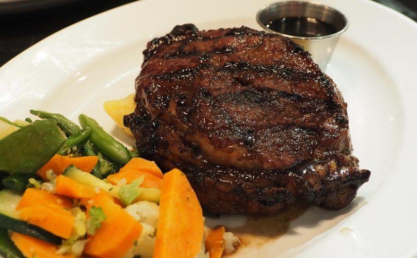 Carne alla griglia: dalla grigliata sul piatto al cibo esperienziale